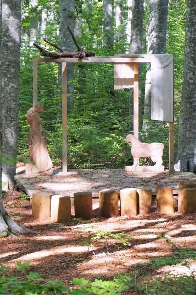 80-il-teatro-nella-foresta