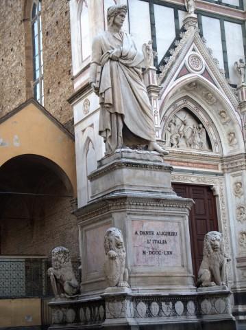 19-la-statua-di-dante-in-piazzasanta-croce
