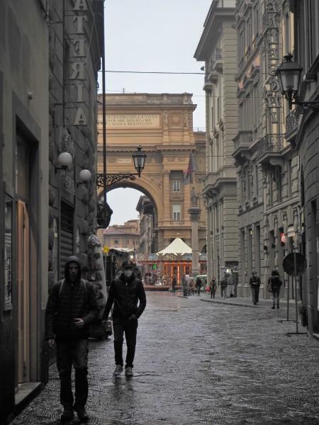 77-piazzadella-repubblica-vista-da-via-del-corso-colonna-dellabbondanza-e-giostra-con-i-cavalli