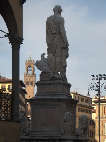 111-la-statua-di-dante-in-piazza-santa-croce